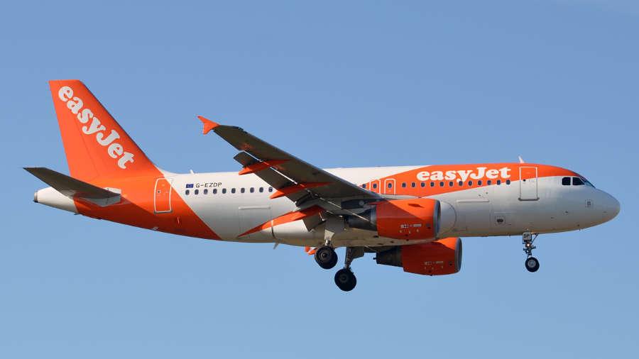 Letecký dopravce easyJet se údajně potýká s finančními problémy.