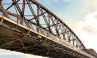 Vyšehradský železniční most byl postaven v letech 1900–1901.