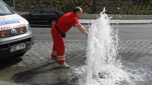 Ztráty vody loni dosáhly 15 procent, výrazně klesla doba přerušení dodávky vody při havárii.