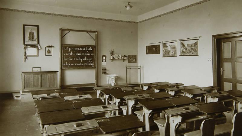 Unikátní výstava přibližuje české školství 1. poloviny 20. století.