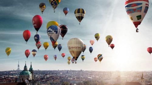Nad centrem města se budou vznášet desítky balónů.