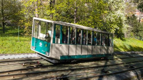 Lanová dráha na Petřín slouží veřejnosti od 25. července 1891.