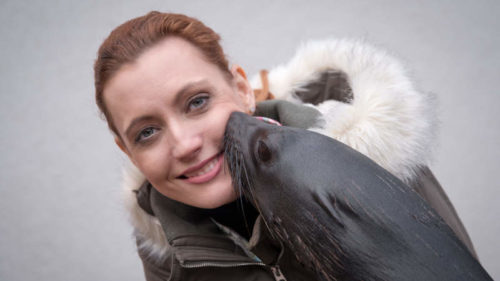Nová mluvčí Lenka Pastorčáková se seznamuje s obyvateli Zoo Praha.