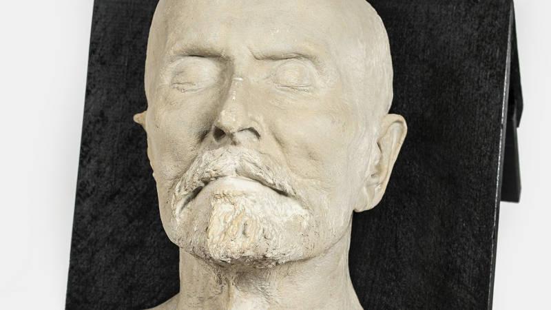 Posmrtná maska T. G. Masaryka.