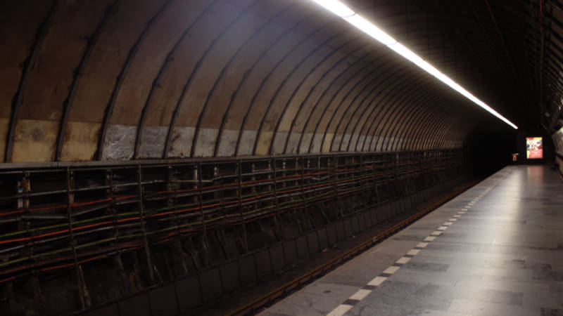 Stanice metra Muzeum na lince A prochází rekonstrukcí.