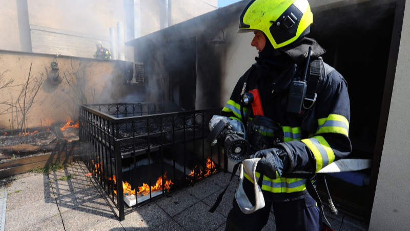 Požár ve Štěpánské ulici v Praze 2.