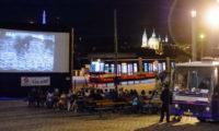 Filmový kinobus Dopravního podniku bude letos objíždět Prahu již po jedenácté.