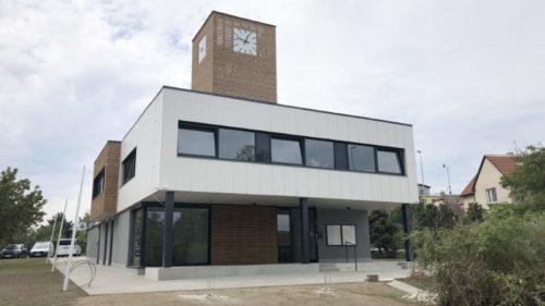 Nová budova městského úřadu.