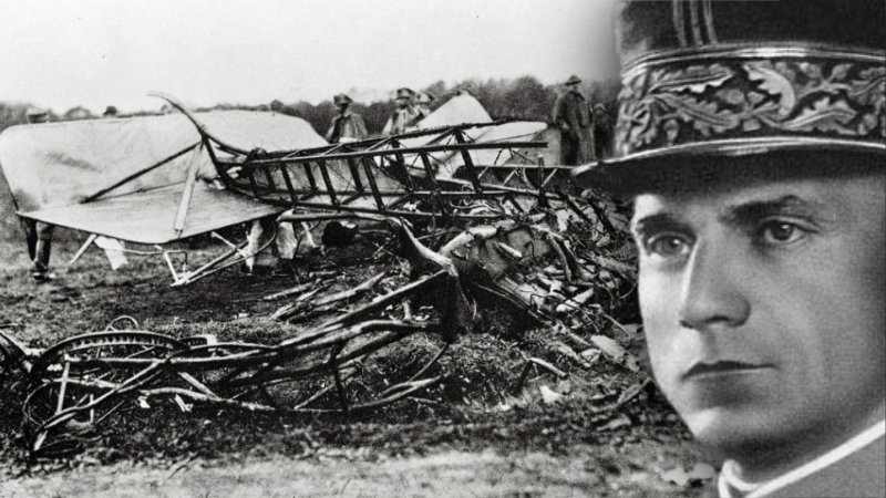 Ze Štefánikova letadla zůstaly jen trosky.