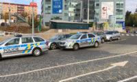 Okolnosti průsaku vody vyšetřovali přímo na místě kriminalisté.