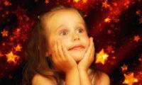 Příliš dárků může dětem zkazit život, varuje psycholog.