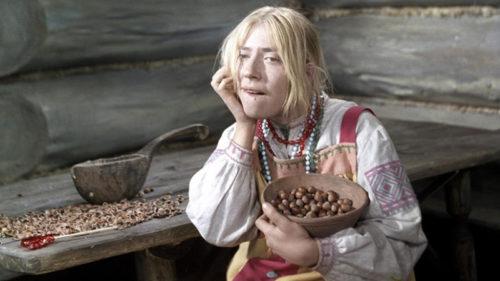 Inna Čuriková jako Marfuša.