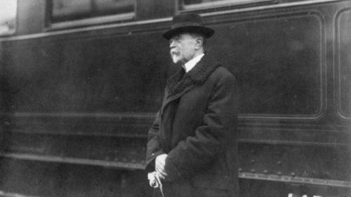 TGM po příjezdu do Prahy v prosinci 1918.