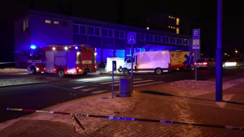 Na místě tragédie zasahovali hasiči, policisté i záchranná služba.