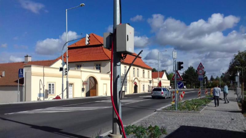 Rekonstrukce Českobrodské ulice vstupuje do další fáze.