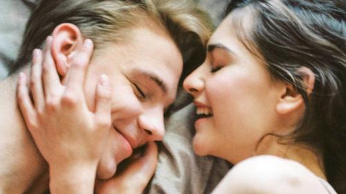 Když ve vztahu něco chybí, lidé se uchylují k nevěře.