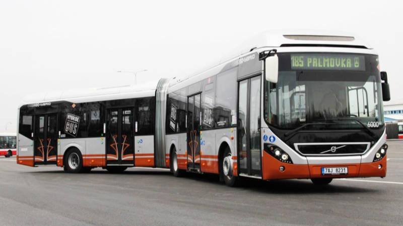Hybridní autobus Volvo 7900 LAH.