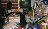 Lidé trpící Diogenovým syndromem hromadí ve svých bytech neužitečné harampádí a odpadky (ilustrační foto).