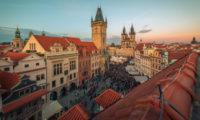 Staroměstská radnice v Praze patří mezi vyhledávání cíle turistů.