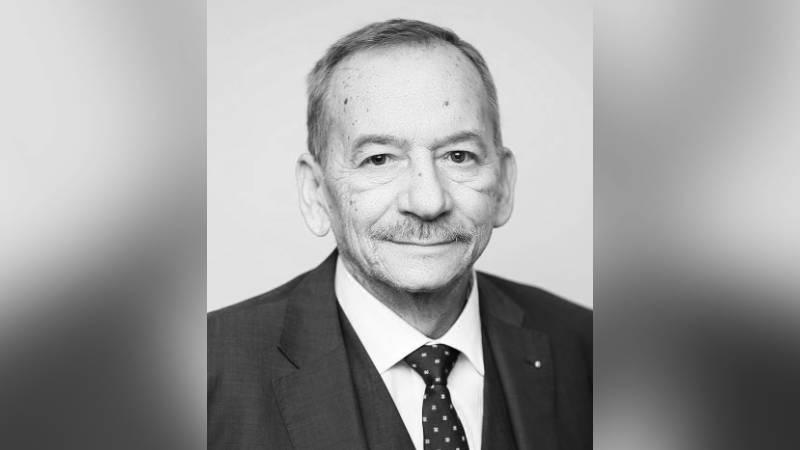 Předseda Senátu ČR zemřel náhled 27. ledna.