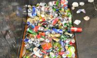 Kovový odpad se zpracovává ve Vysočanech.